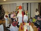 Besuch vom Hl. Nikolaus und Weihnachtstheater von den Kindern der Kulissenschieber